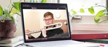 flute player online