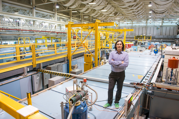 Picture of Dmitry Pushin at the National Institute for Standards and Technology Centre for Neutron Research in Maryland, US