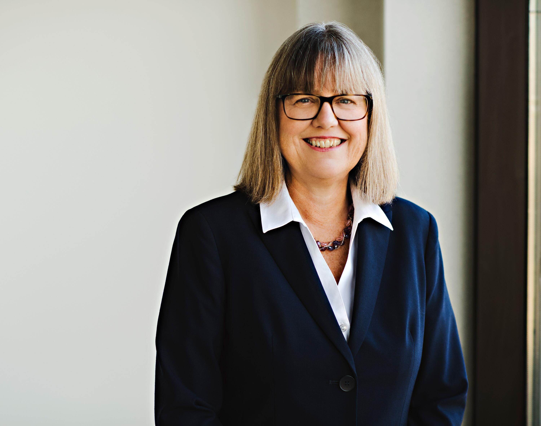 Dr. Donna Strickland headshot