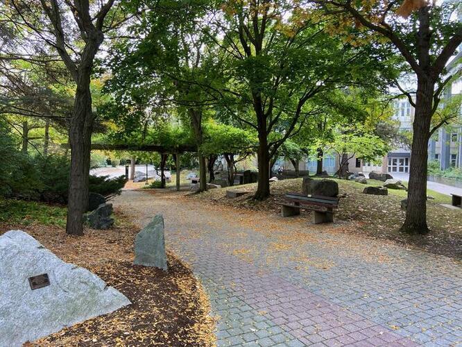 Peter Russell Rock Garden main path