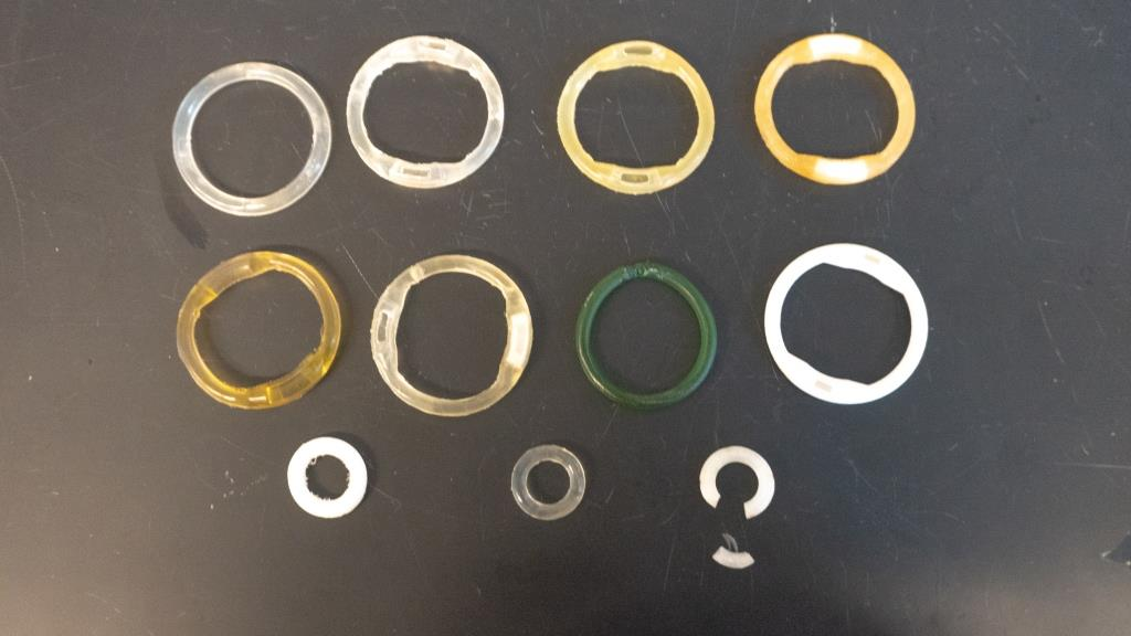 11 examples of different intravaginal ring designs