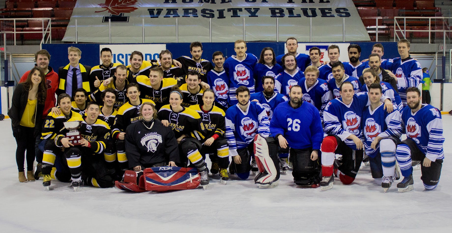 Waterloo and UofT hockey teams