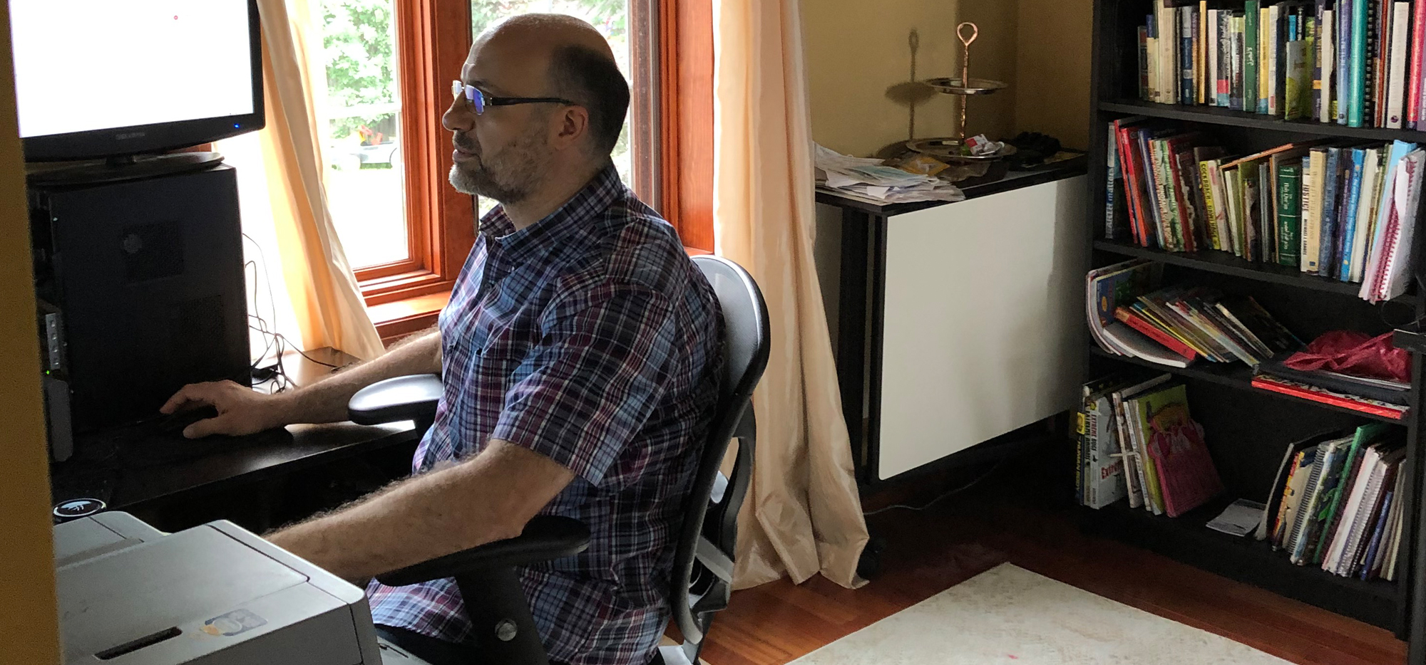 Prof. Wasem Alsabbagh working from home