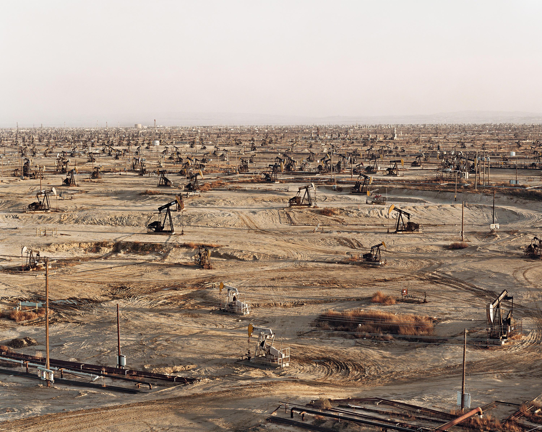 photo of oil sands by Edward Burtynsky