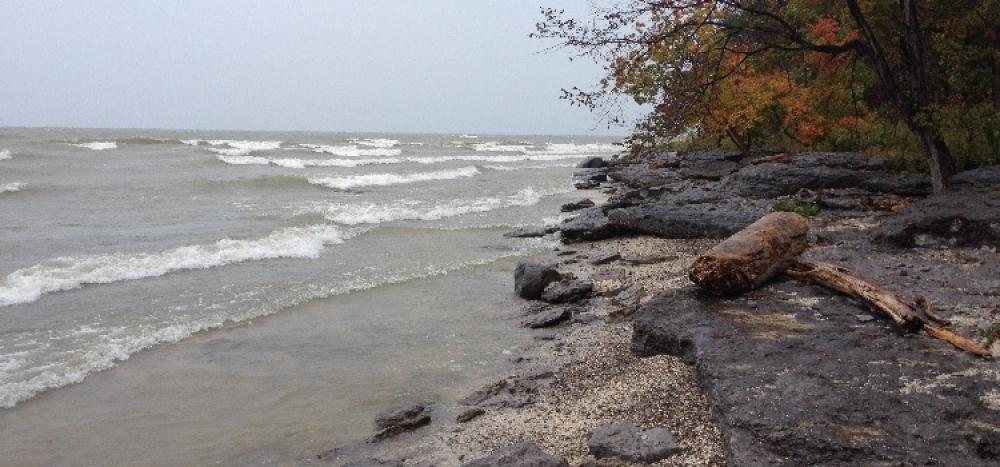 Lac Érié roches et vagues