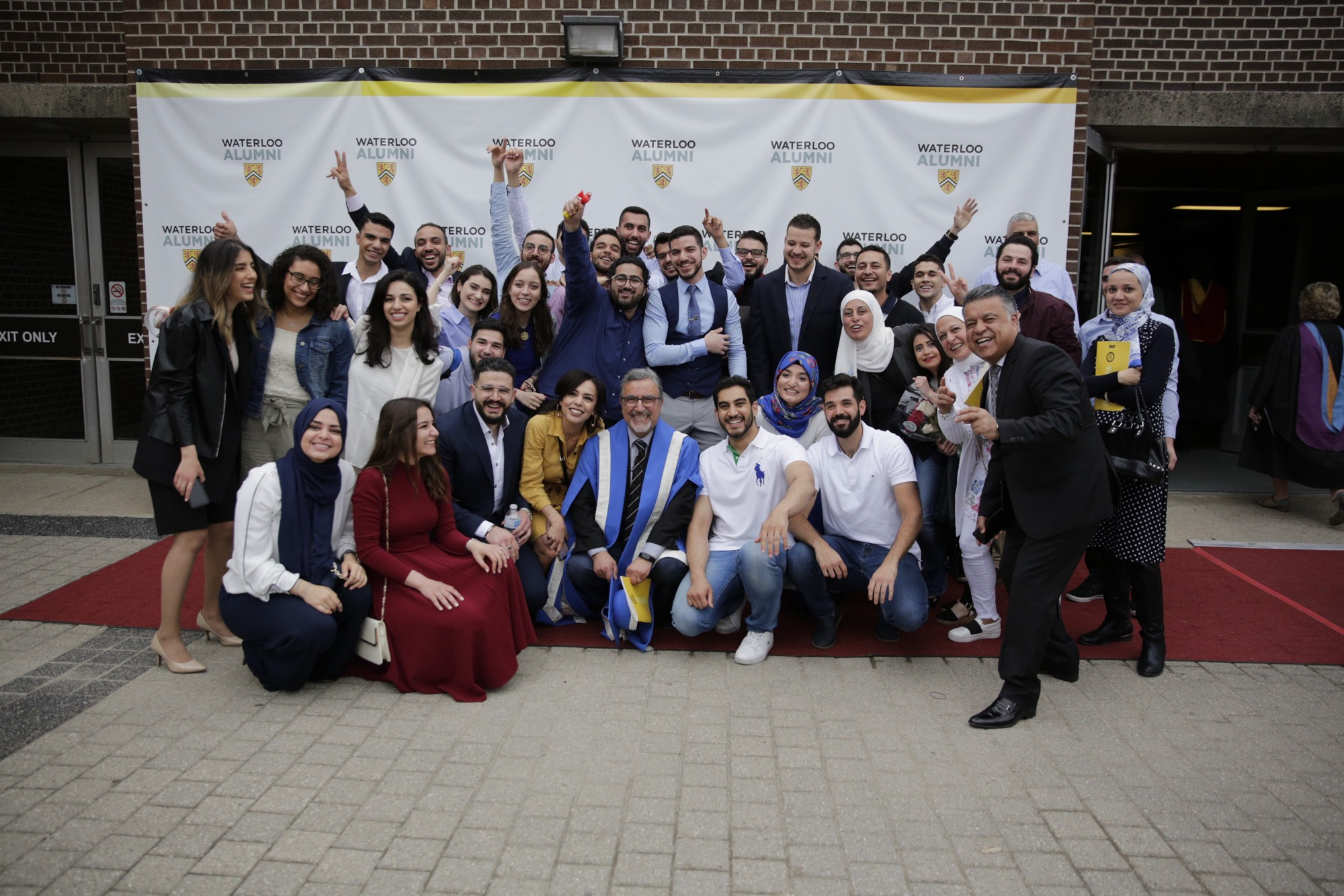 President Hamdullahpur with new Waterloo alumni