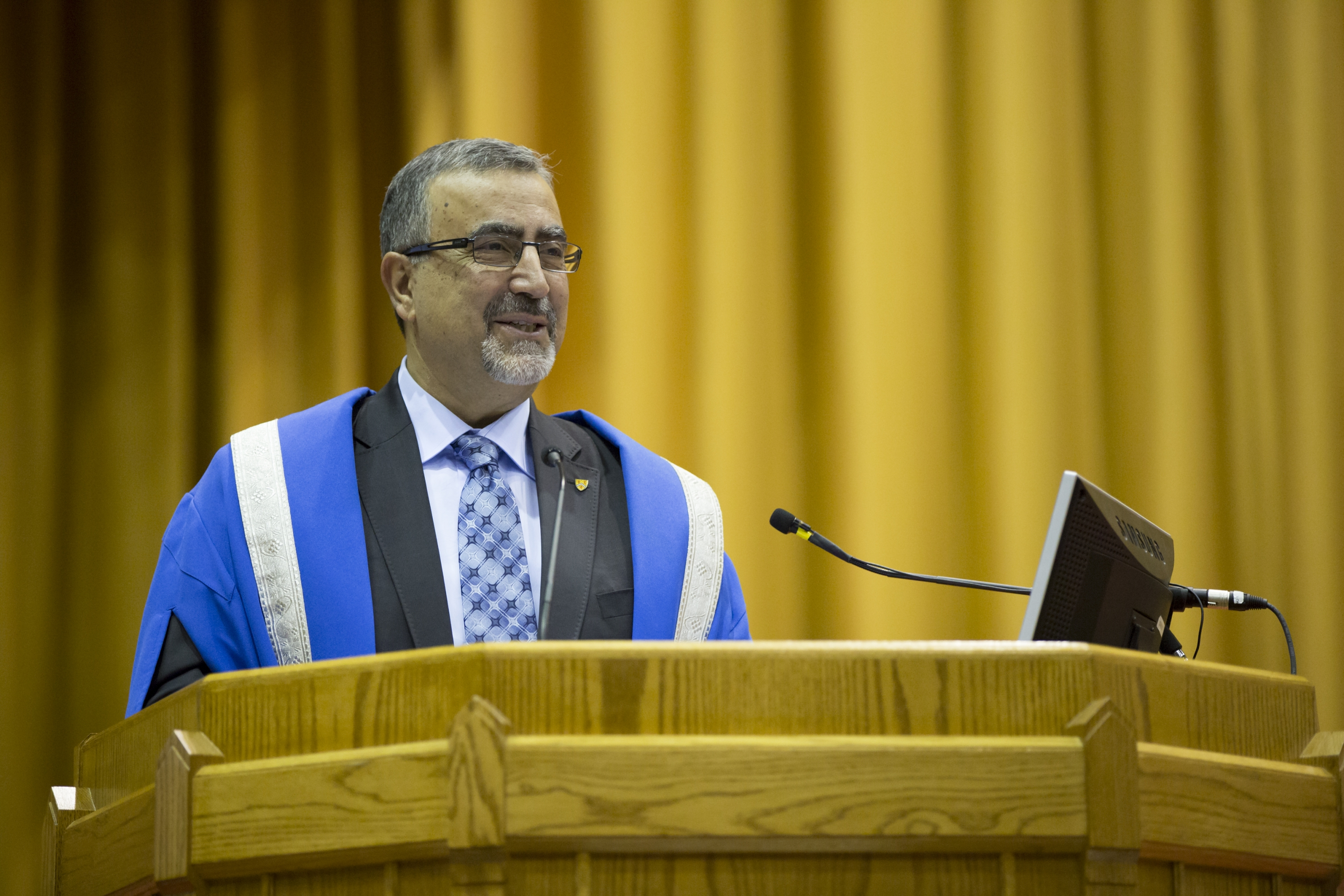 President Feridun Hamdullahpur giving Convocation speech