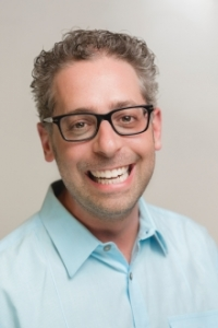 head shot of Dr. David Moscovitch