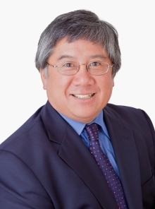 Head shot of Dr. Geoffrey Fong