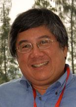 Head shot of Geoffrey Fong