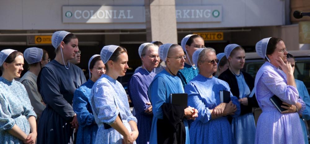 Mennonite women in Farragut Square