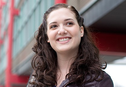 Jessica del Rosso smiling outside of UW building