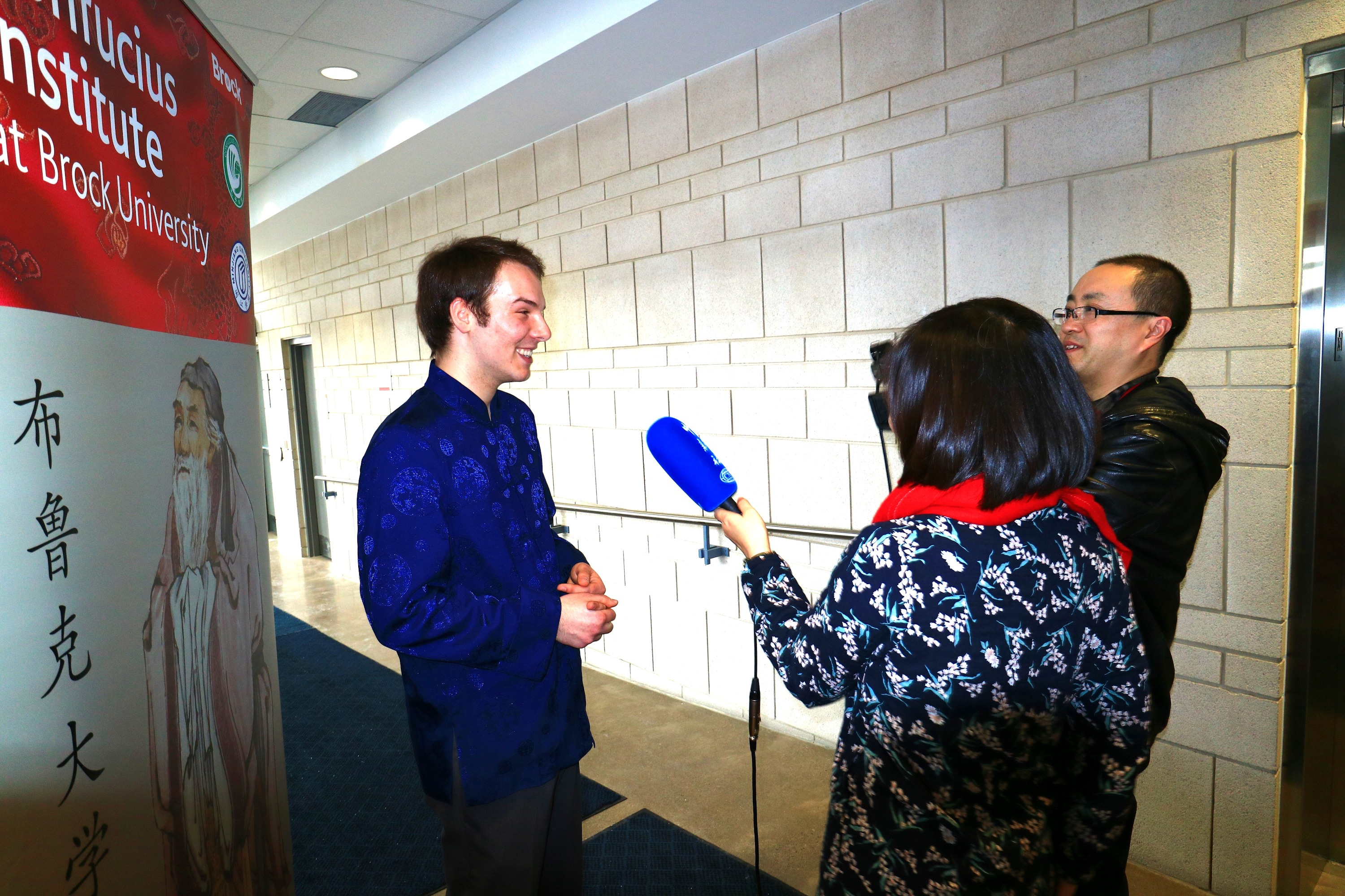 Daniel Cressman gets interviewed after winning Chinese Proficiency Competition