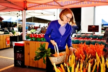Jennifer Clapp at market