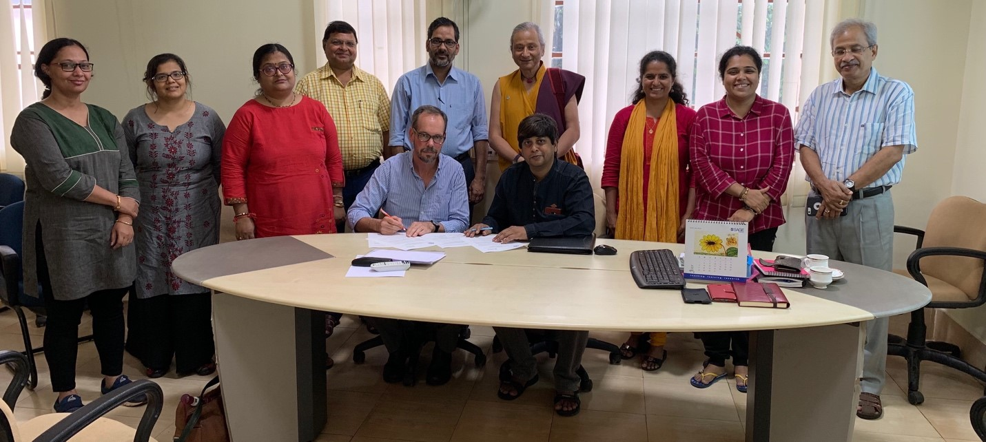 B.Frayne signs MOU in India