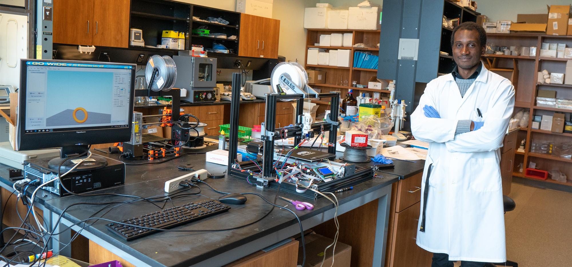 Yannick in the lab