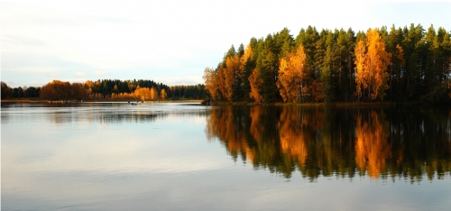 Image of a Canadian lake.