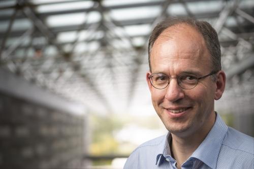 Professor Norbert Lütkenhaus