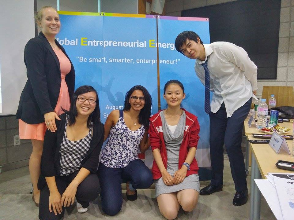 From left to right: Rachel Thompson, Linna Zheng , Samiya Hirji , Hong Yang, Alex Lin.