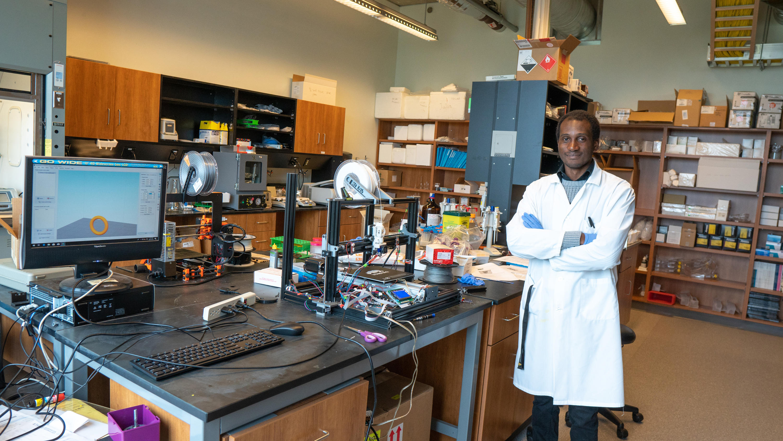 Yannick, PhD candidate in Prof. Emmanuel Ho's lab.