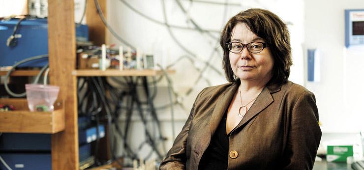 Linda Nazar in her lab.