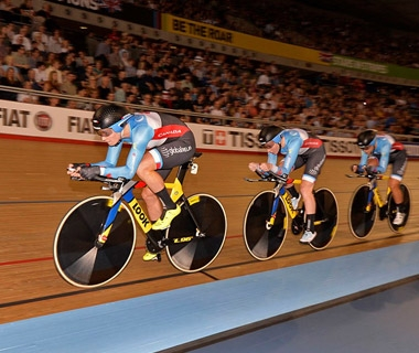 Canadian cyclists race in the world championships in London
