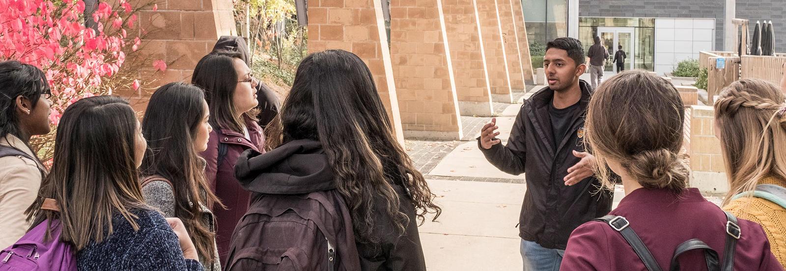 Students take tour