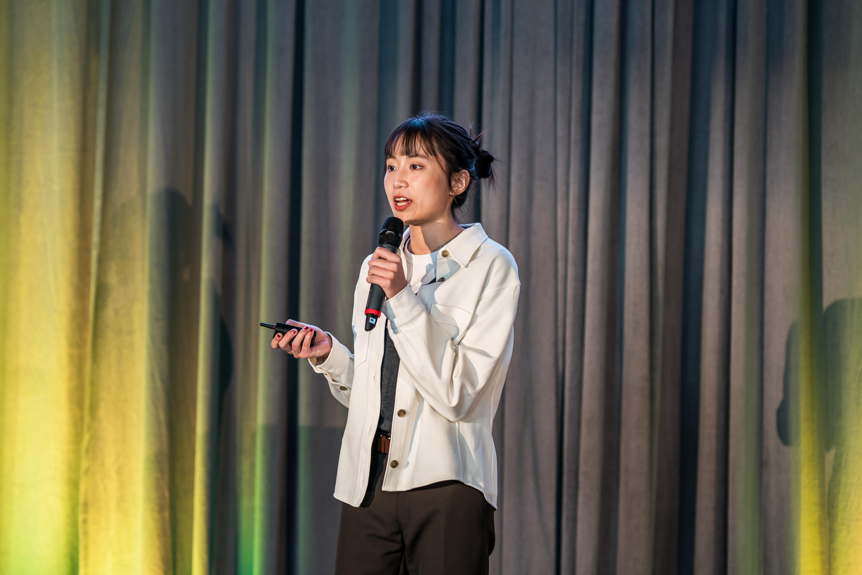 Gooloo co-founder Yuqian Li pitches at the Concept 5K final