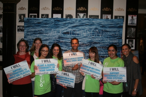 Emily Ma, Kelly Huang, Kirat Maloka, and Alexandra Ramos with Jack Johnson and members of the All At Once team at a Capture Your Commitment booth.