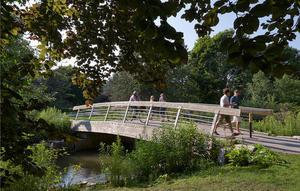 Bridge over Laurel Creek