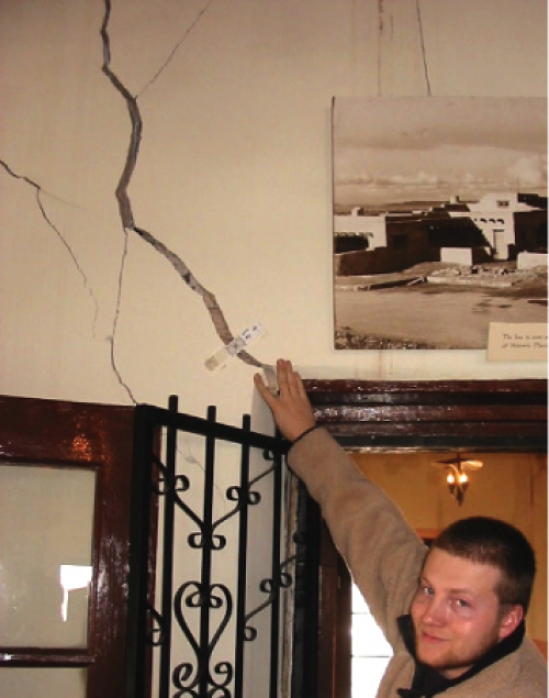 Measuring a crack