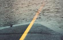 yellow line road flood