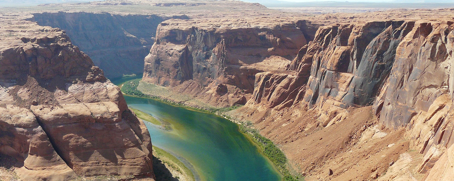 Colorado River horseshoe-bend Image by Hans Braxmeier from Pixabay .jpg