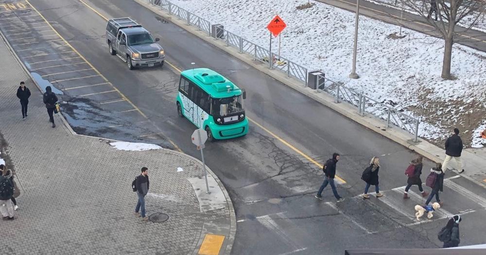 Autonobus on ring road